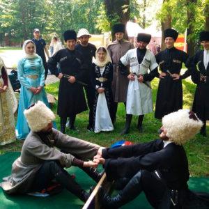 18 мая в парке отдыха г.Владикавказа прошли праздничные мероприятия, посвященные празднованию Дня осетинского языка.
